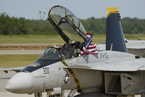 FA-18_Super_Hornet_Taxis_With_American_Flag_Oceana_2007.png