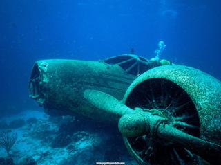 Sunken_Plane_Aruba.jpg