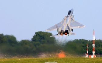 _F15__001.jpg