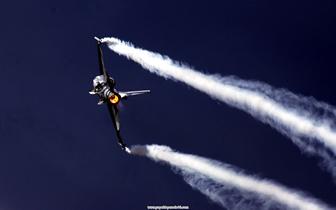 _F16__003.jpg