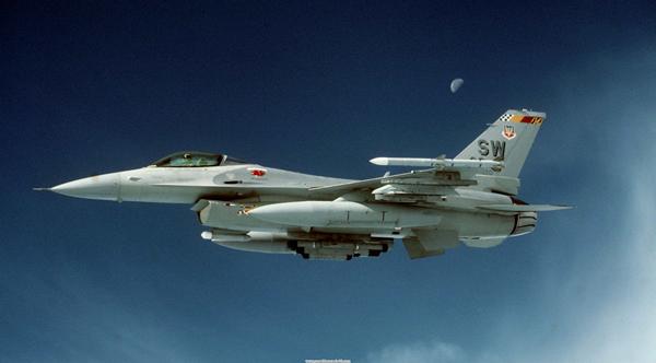 fighters_f16_0013.jpg